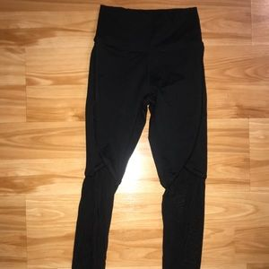 Fabletics Highwaisted Powerhold leggings